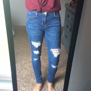 💲 3/$15 Ripped Skinny Jeans